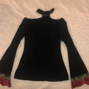 Tops - Black top with flared rose embroidered sleeves